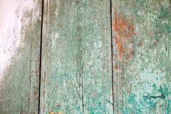 Stary drewniany tło z zieleń pluskoczącą farbą Rocznika drewna tekstura obraz stock