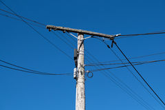 Stary drewniany telefon lub władza słup Fotografia Stock