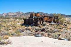 Stary drewniany zaniechany dom Zdjęcie Royalty Free