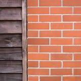 Stary drewno i ściana z cegieł obrazy royalty free
