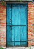 Stary drzwi i ściana Zdjęcia Royalty Free