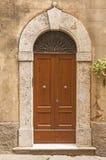 Stary drzwi, Tuscany, Włochy Zdjęcia Royalty Free