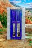 Stary drzwi w zniszczonym budynku Fotografia Royalty Free
