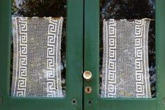 Stary drzwi z Koronkową zasłoną - Liguria Włochy Fotografia Stock