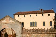 Stary dwór z wielkim ganeczkiem w Casalserugo, w prowinci Padova Veneto (Włochy) Zdjęcie Royalty Free