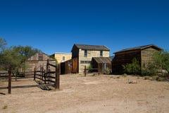 Stary Dziki Zachodni Grodzki plan zdjęciowy w Mescal, Arizona obraz stock
