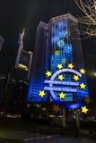 Stary ECB EZB w Frankfurt magistrala przy nocą - Am - Obraz Royalty Free