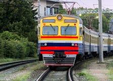 Stary elektryczny pociąg jest wciąż wewnątrz usługowy Obrazy Stock