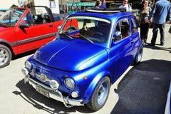 Stary Fiat 500 Abarth ścigać się wyposażam Obrazy Royalty Free