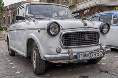 Stary Fiat wystawiający na retro samochodowej paradzie Fotografia Stock