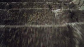 Stary forteca od wieków średnich, Wspina się schodki zbiory wideo