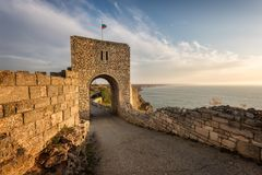 Stary forteca przy wschodem słońca Fotografia Royalty Free