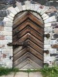 Stary Forteczny drzwi Zamknięty i Bezpiecznie - zdjęcie stock