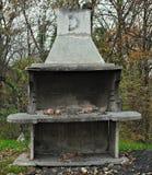 Stary gnijący i uszkadzający pusty grilla miejsce fotografia royalty free