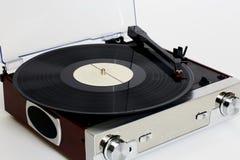 Stary gramofon z dyskami dalej zdjęcie royalty free