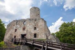 Stary grodowy Lipowiec Kasztel w Babice wiosce Ruiny Krakow bishopsv kasztel Zdjęcia Stock