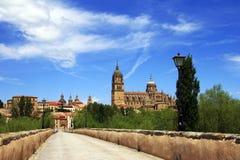 Stary grodzki Salamanca - widok od rzymskiego mosta zdjęcie stock