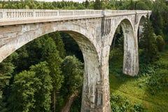 Stary historyczny railwai mosta beton Stanczyk, Mazury, Polska Obraz Royalty Free