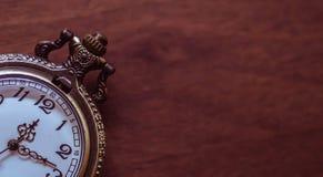 Stary i antykwarski kieszeniowy zegarek zdjęcie stock