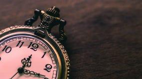 Stary i antykwarski kieszeniowy zegarek obraz royalty free