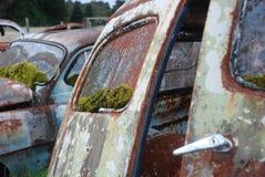 Stary i ośniedziały samochód Fotografia Stock