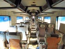Stary i obowiązek pociąg pasażerski zdjęcia royalty free