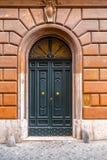 Stary i pi?kny ozdobny drzwi zdjęcie royalty free