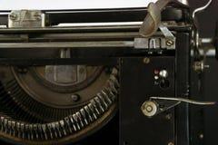 Stary i Zakurzony maszyna do pisania zakończenie Zdjęcia Stock