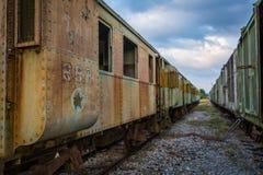 Stary i zaniechany pociąg pasażerski zdjęcie royalty free