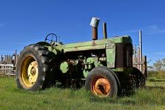 Stary John Deere R ciągnik obrazy stock
