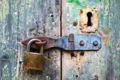 Stary kędziorek i rdzewiejący keyhole Fotografia Stock