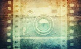 Stary kamery i puste miejsce filmu pasek na roczniku tapetuje tło vinaigrette Obraz Stock
