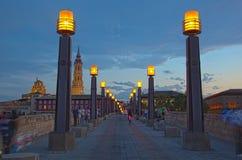 Stary kamienia most przez rzecznego Ebro w Zaragoza Obrazy Royalty Free