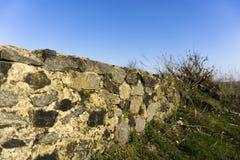 Stary kamienia ogrodzenie obraz royalty free