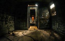 Stary kareciany wnętrze z lekki przepytywać Obrazy Stock