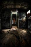 Stary kareciany wnętrze z lekki przepytywać Fotografia Stock