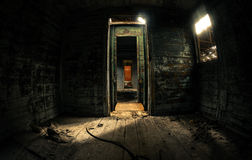 Stary kareciany wnętrze z lekki przepytywać Zdjęcia Royalty Free