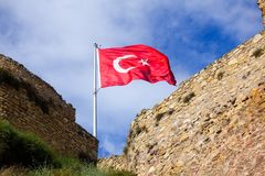 Stary kasztel i turecka flaga Obrazy Stock