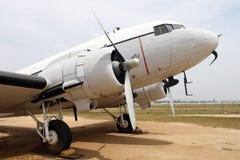 Stary klasyka samolot parkujący Fotografia Royalty Free
