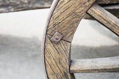 Stary koń rysująca drewniana fura w Tbilisi zdjęcia royalty free