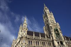 Stary kościół w mieście obraz royalty free