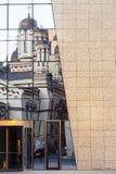 Stary kościelnego budynku odbicie obrazy royalty free