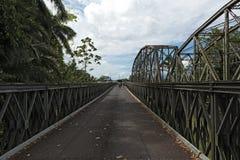 Stary kolei, granicy most przez Sixaola rzekę między i zdjęcia royalty free