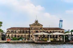 Stary kolonialny sztuka budynek w Bangkok Zdjęcie Stock
