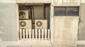 Stary kompresor i stary mieszkaniowy w Tajlandia Obrazy Stock