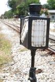 Stary lampowy słup w staci kolejowej Zdjęcia Royalty Free