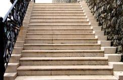 Stary marmurowy schody w średniowiecznym fortecy Obraz Stock