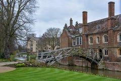 Stary matematycznie most w Cambridge, Anglia fotografia stock