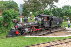 Stary May Dymić pociąg w Tiradentes, Kolonialny miasto zdjęcie royalty free