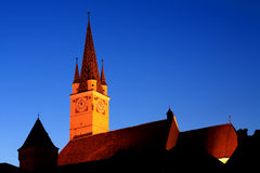 stary medias wieży kościoła zdjęcie stock